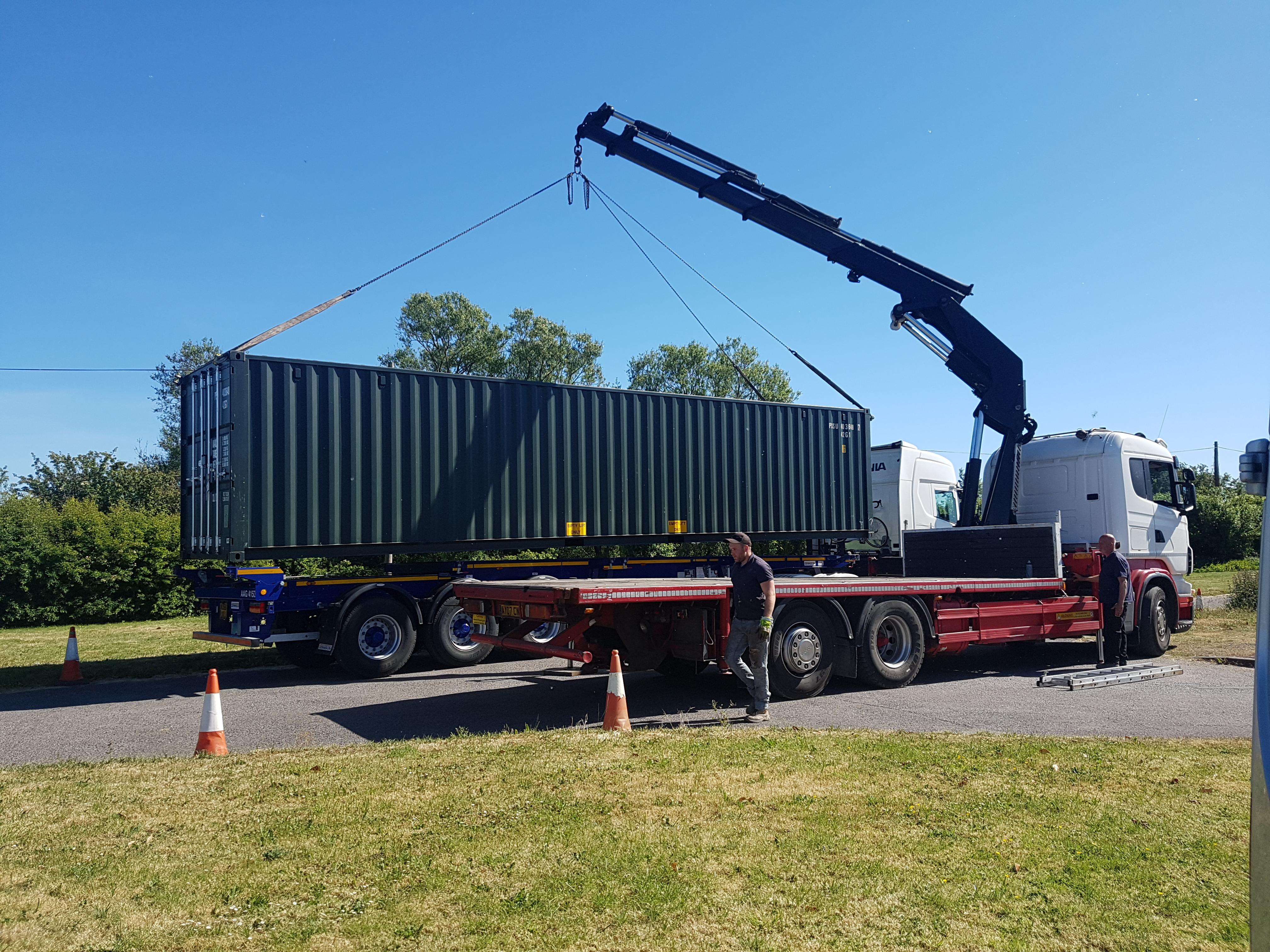 large container unload